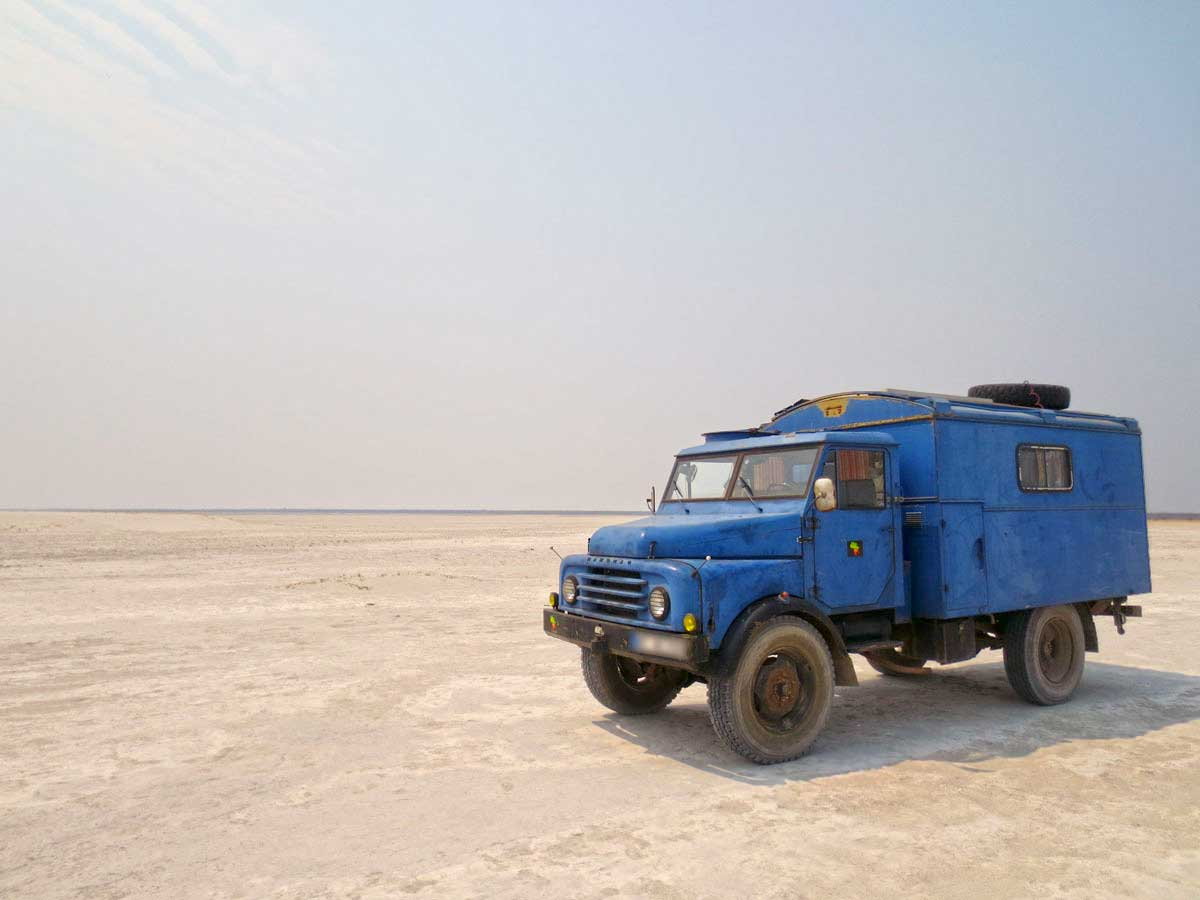 In den Weiten der Makgadikgadi Pans in Botswana