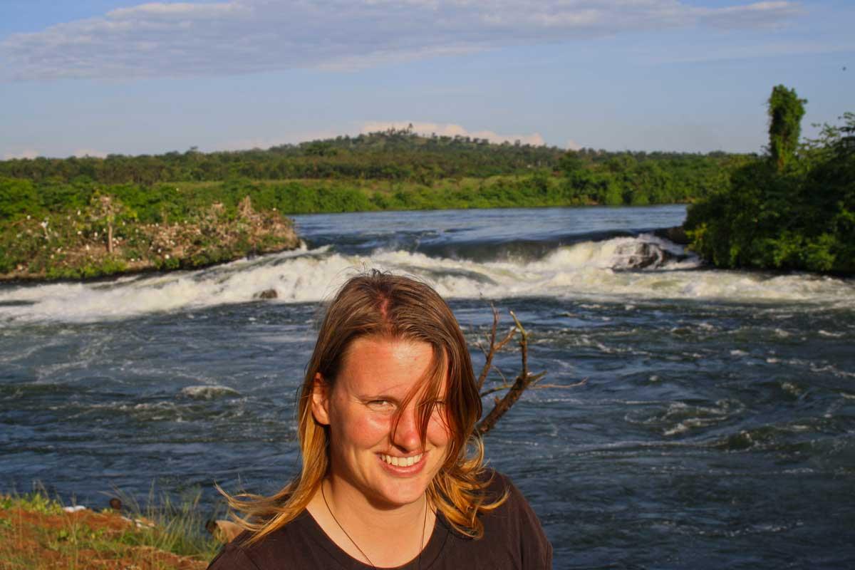 Verena an den Bujangali Falls in Uganda