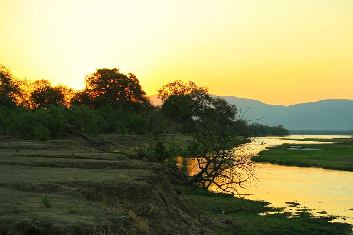 Sonnenuntergang im Mana Pools Nationalpark in Simbabwe